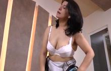 Hispanic MILF Anabella masturbating