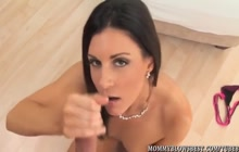 India Summer gives perfect blowjob