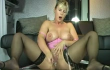 Blonde squirting MILF solo on webcam